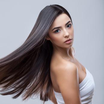 Schöne lange Haare durch Extensions
