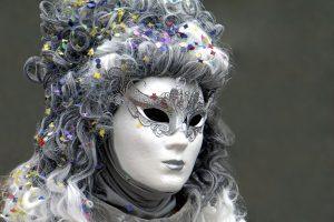Karnevalsperücke kaufen